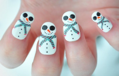 Exquisite-Holiday-Nail-Art-Designs
