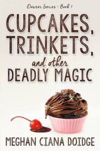 Cupcakes, trinkets