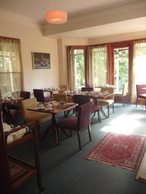 20.dining room1