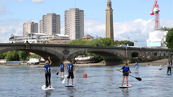 Stand Up Paddle Boarding on the Thames with Active 360