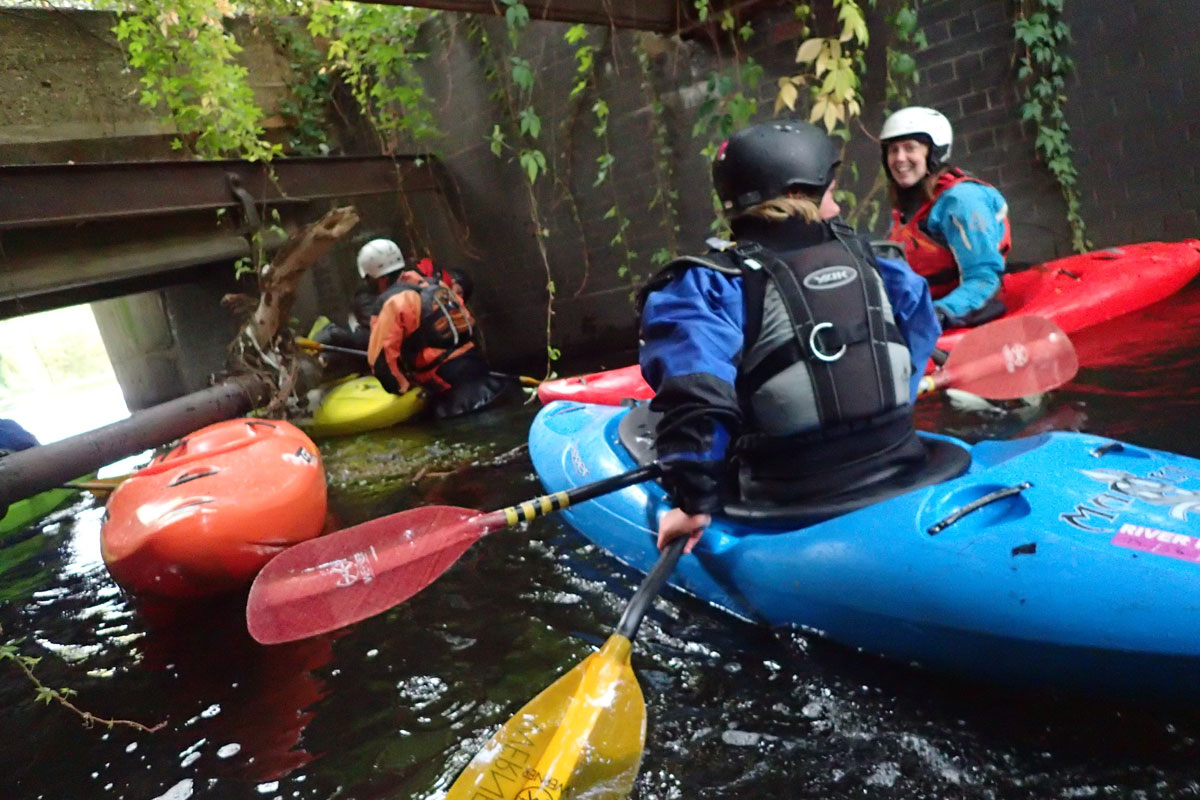 Kayaking the Wandle - low pipe section