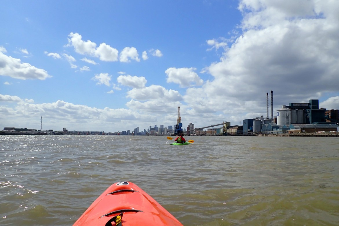 River Thames, approaching Tate & Lyle factory