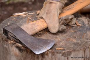 Splitting fire wood
