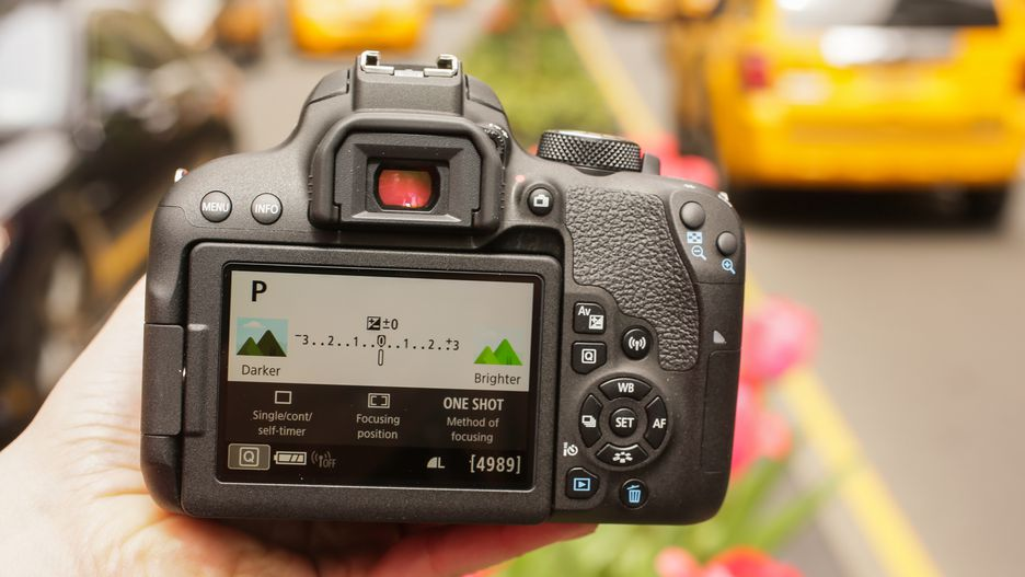 Canon T7i review
