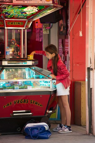 """Kids' amusement park in the """"Place des Lices"""""""