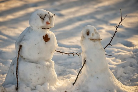 """Then a girl called Life called me to come over for a visit. There I was met by her """"Calvin & Hobbes style"""" snowmen."""