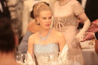 Nicole Kidman here wears a modern Cartier necklace and grey gold, diamond and sapphire earrings. Photo: David Koskas © 2014 - STONE ANGELS