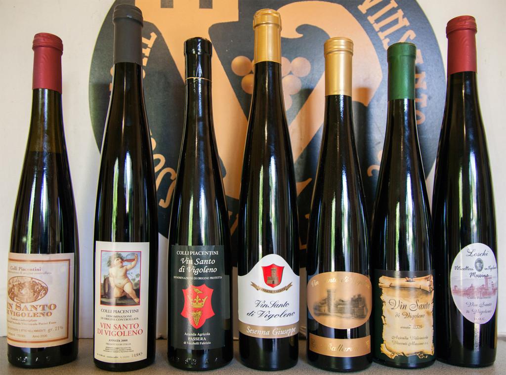 Bottiglie di Vin Santo di Vigoleno degli associati