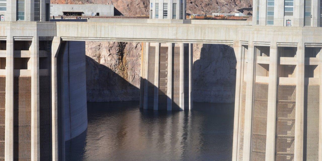Visitando a Hoover Dam - Cantinho de Ná