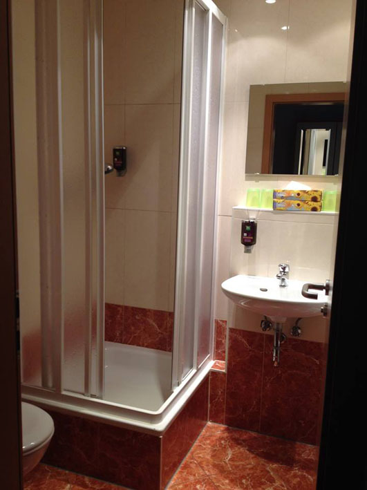Ibis Berlin banheiro