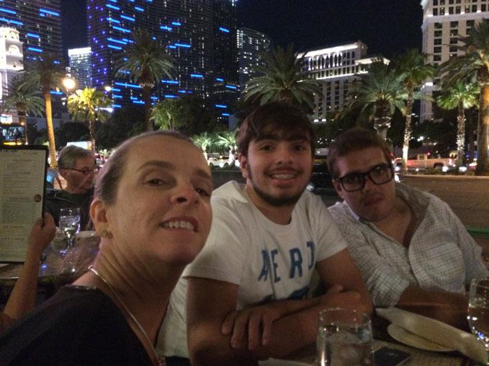 Jantar-Las-Vegas-Mon-Ami-nos