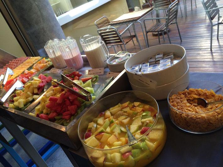 Be-Trimos-Hotel-cafe-frutas