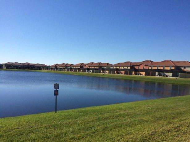 casa-alugada-em-Orlando-lago