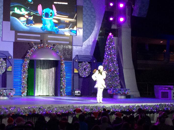 Mickeys-Very-Merry-Christmas-tomorrowland