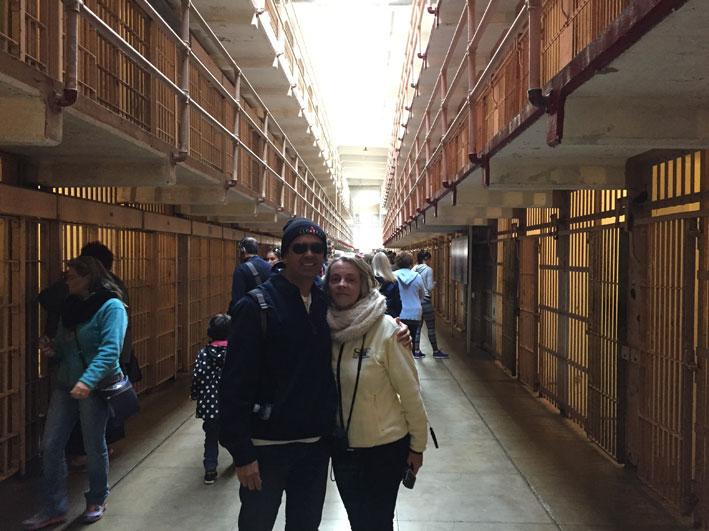 Alcatraz-corredores