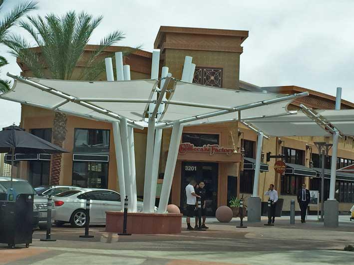 Onde-almocar-em-Las-Vegas-Cheesecake-fachada