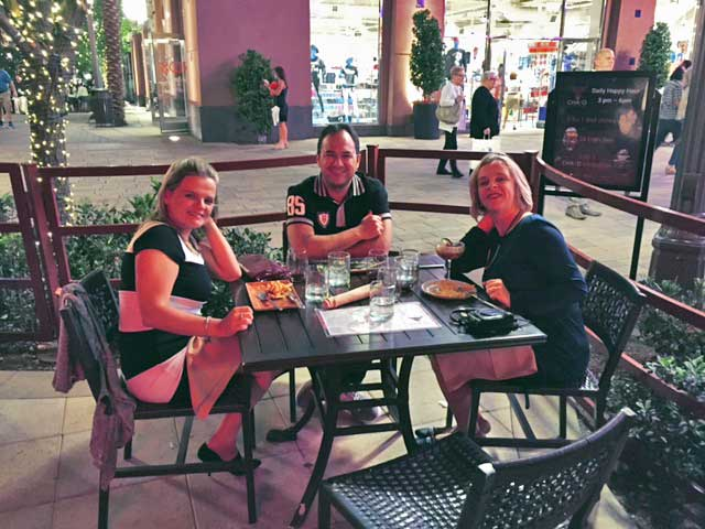 Onde-jantar-em-Las-Vegas-Chayo-mesa
