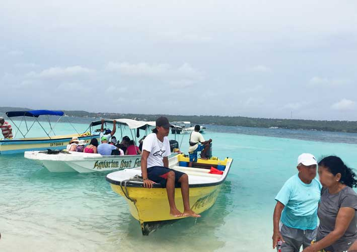 Como-e-o-passeio-a-Haines-Cay-e-Acuario-barcos