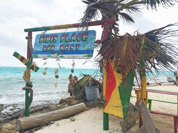Como-e-o-passeio-a-Haines-Cay-e-Acuario-placa-bar
