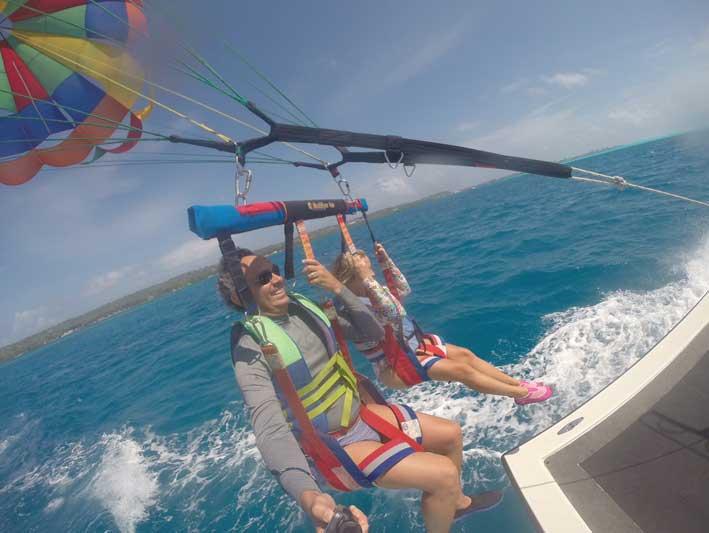 Voo de parasail em San Andrés