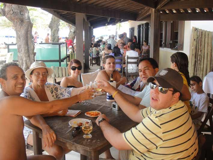 Viajando-com-criancas-pelo-Brasil-praia-do-forte1