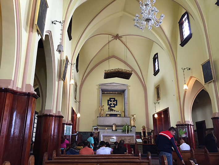 Cerro-de-Monserrate-igreja