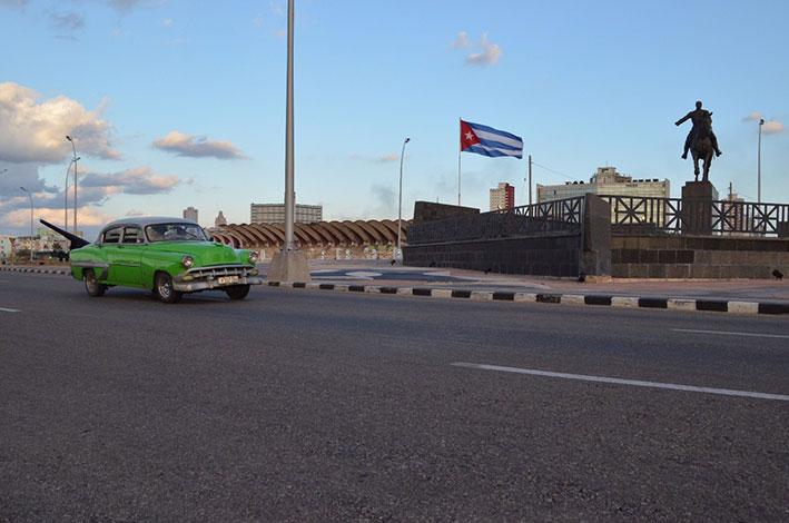 havana-a-capital-cubana-malecon