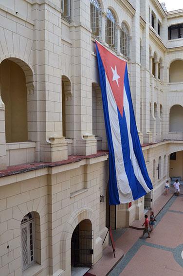havana-a-capital-cubana-museo-revolucao