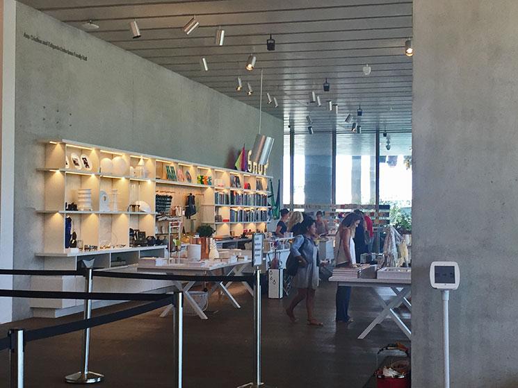 Perez-art-museum-loja1