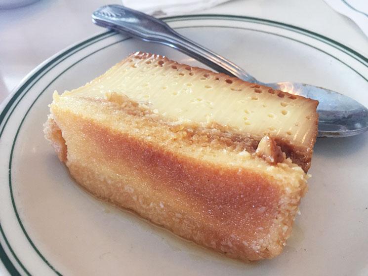 Pudim de pão do Restaurante Versailles em Little Havana em Miami