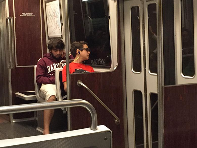 Interior do metrô da linha verde em Bostoni