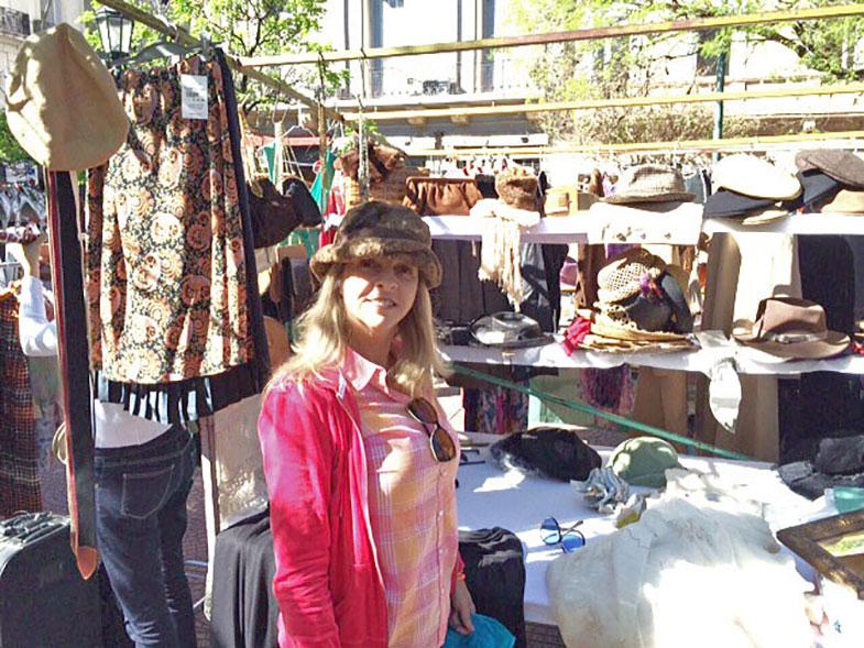 Feira de antiguidades em San Telmo em Buenos Aires
