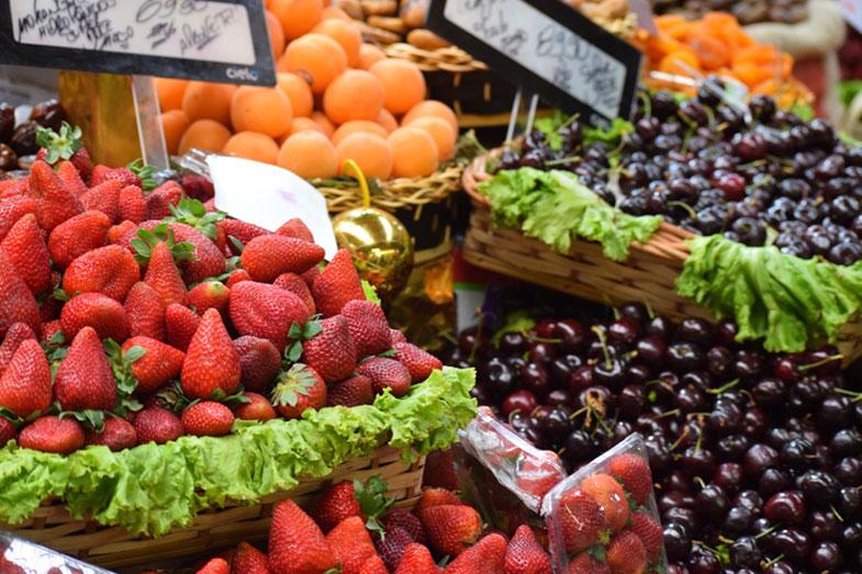 Boxe de frutas frescas no Mercadão de São Paulo