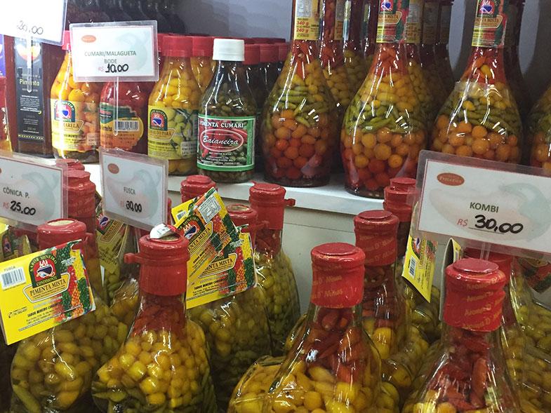 Box que vende pimentas no Mercadão