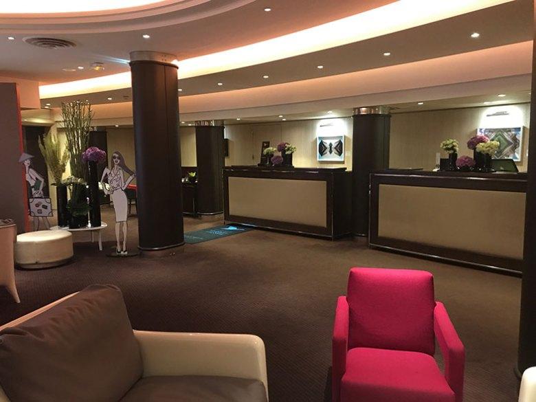 Lobby do Sofitel Hotel em Paris em La Défense