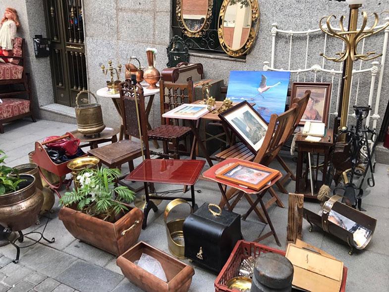 Conhecendo o Mercado do Rastro em Madrid