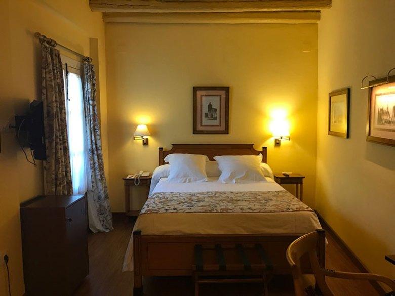 Quarto que ficamos no hotel em Sevilha
