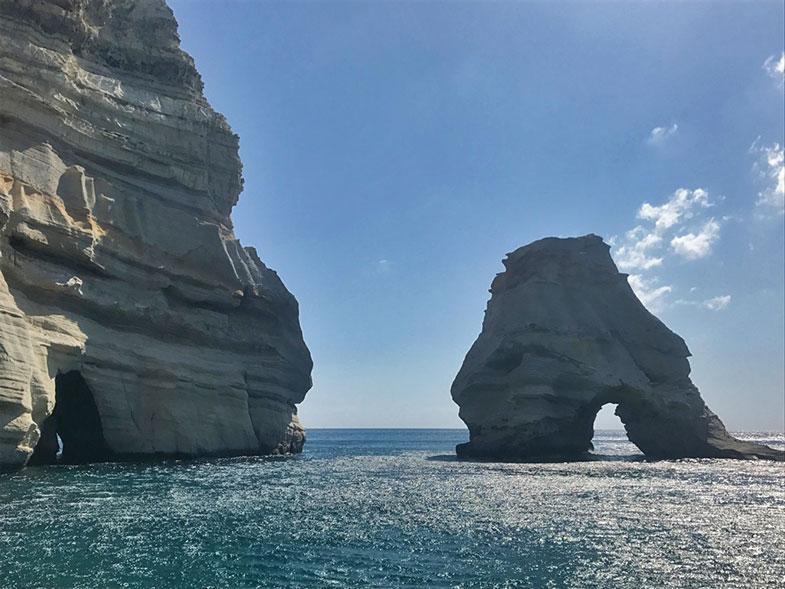 Passeio de barco em Milos