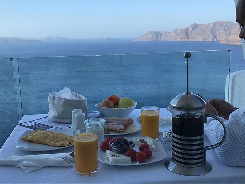 Café da manhã do La Perla Villa em Santorini