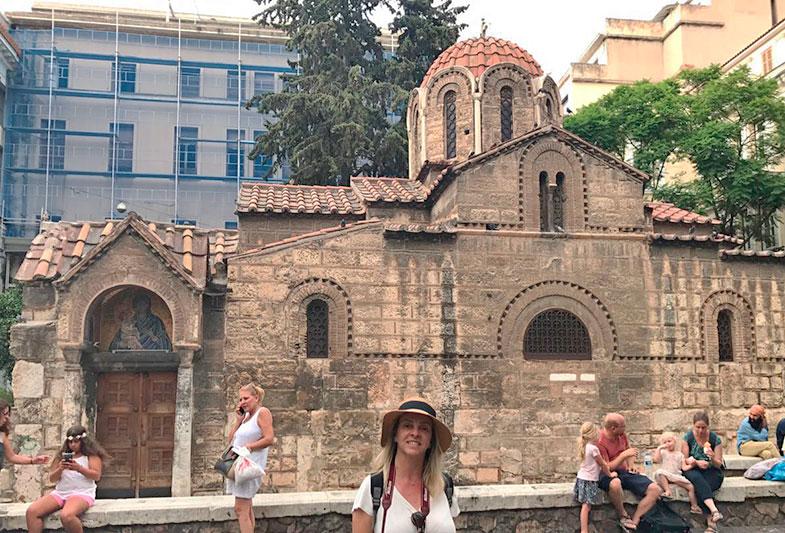 Igreja de kapnikarea em Monastiraki em Atenas
