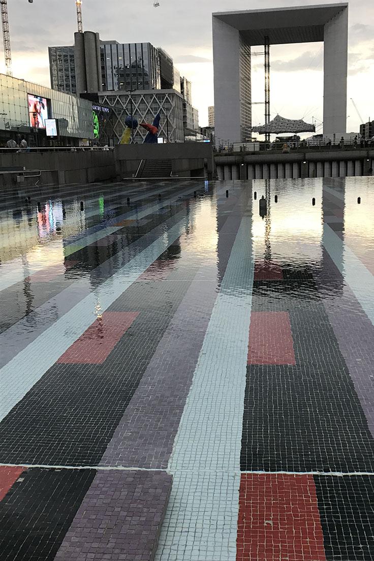Como é La Défense em Paris