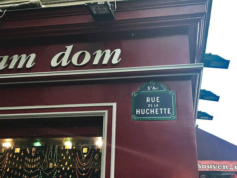 A tradicional Rue de la Huchette em Paris