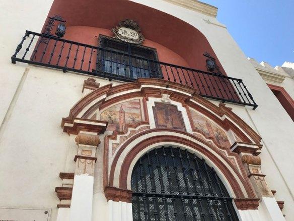 Uma das entradas da Catedral de Sevilha