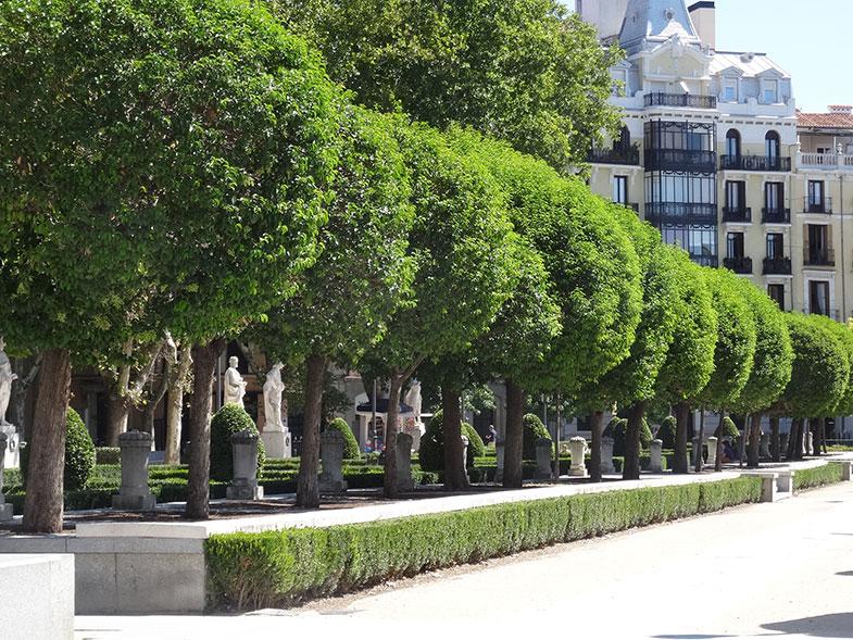 O lindo Jardim de Sabatini ao lado do Palácio Real de Madrid