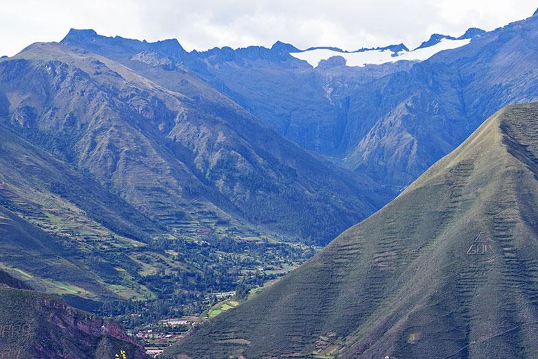 Paisagem do Vale Sagrado entre Cusco e Ollantaytambo