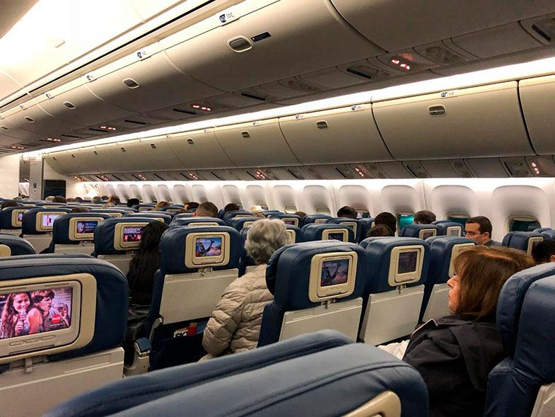 Avião da Delta para voo internacional