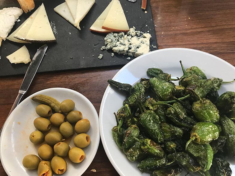 Comidas típicas da Espanha Pimientos Padrón