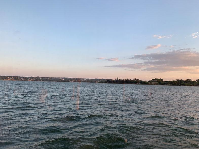 Passeio de barco pelo Lago Paranoá em Brasília