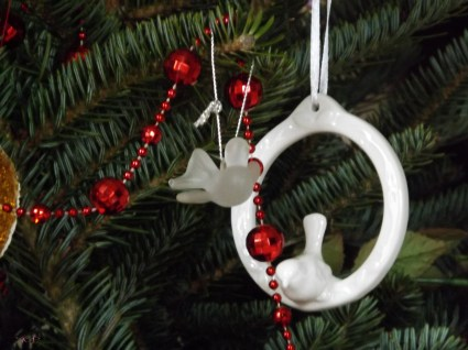 Mum gave me the ceramic bird on the hoop last year - since my move. Dad used the little glass bird on his tree. The sparkly red beads were a gift from Mum many years ago.