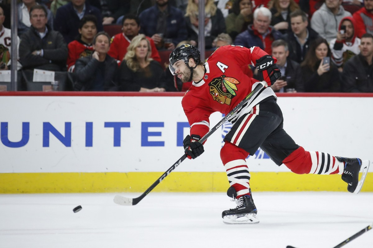 Report: Canucks discussed deal with Blackhawks for third overall pick